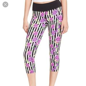 Betsey Johnson Performance Rose Striped Capri XS